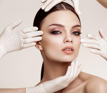 Mesoterapia Facial para hidratar la piel y quitarle años de encima