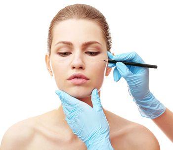 Láser Plexr, técnica ideal para una blefaroplastia sin cirugía